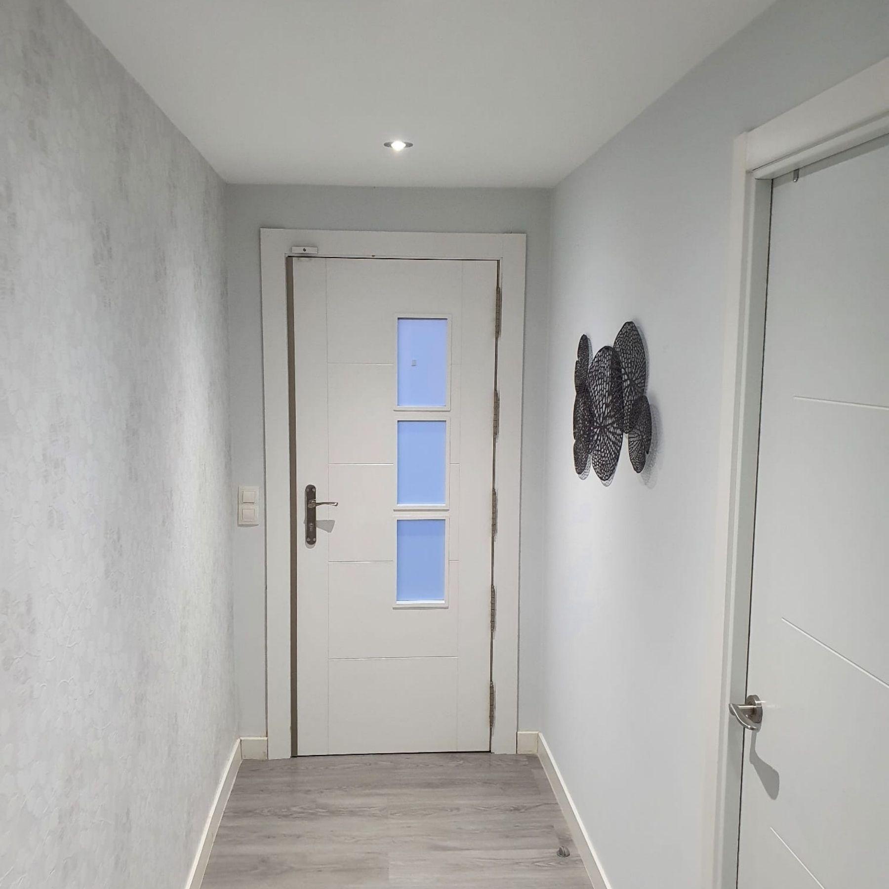 luces puerta recibidor pasillo