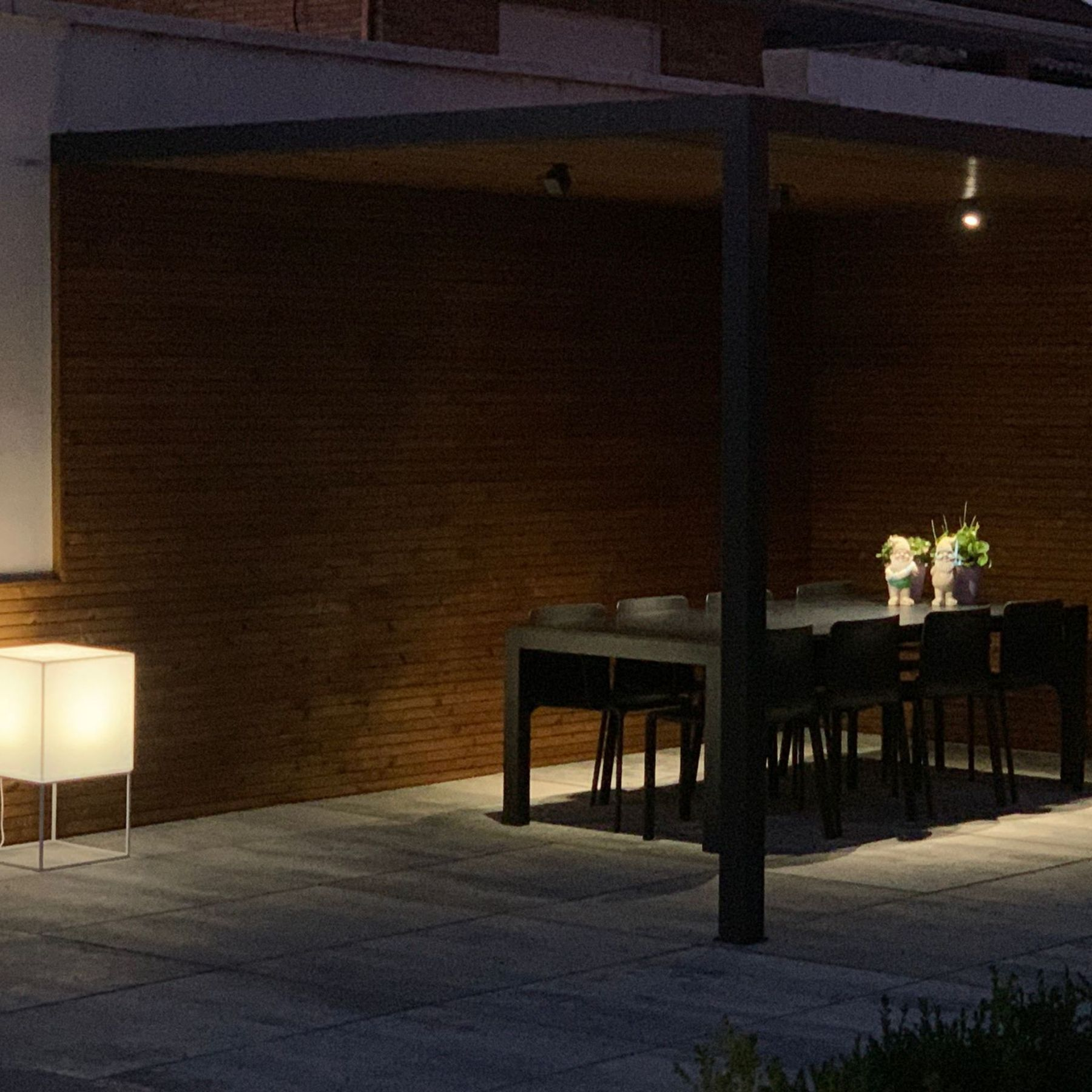 iluminación pérgola exterior jardín